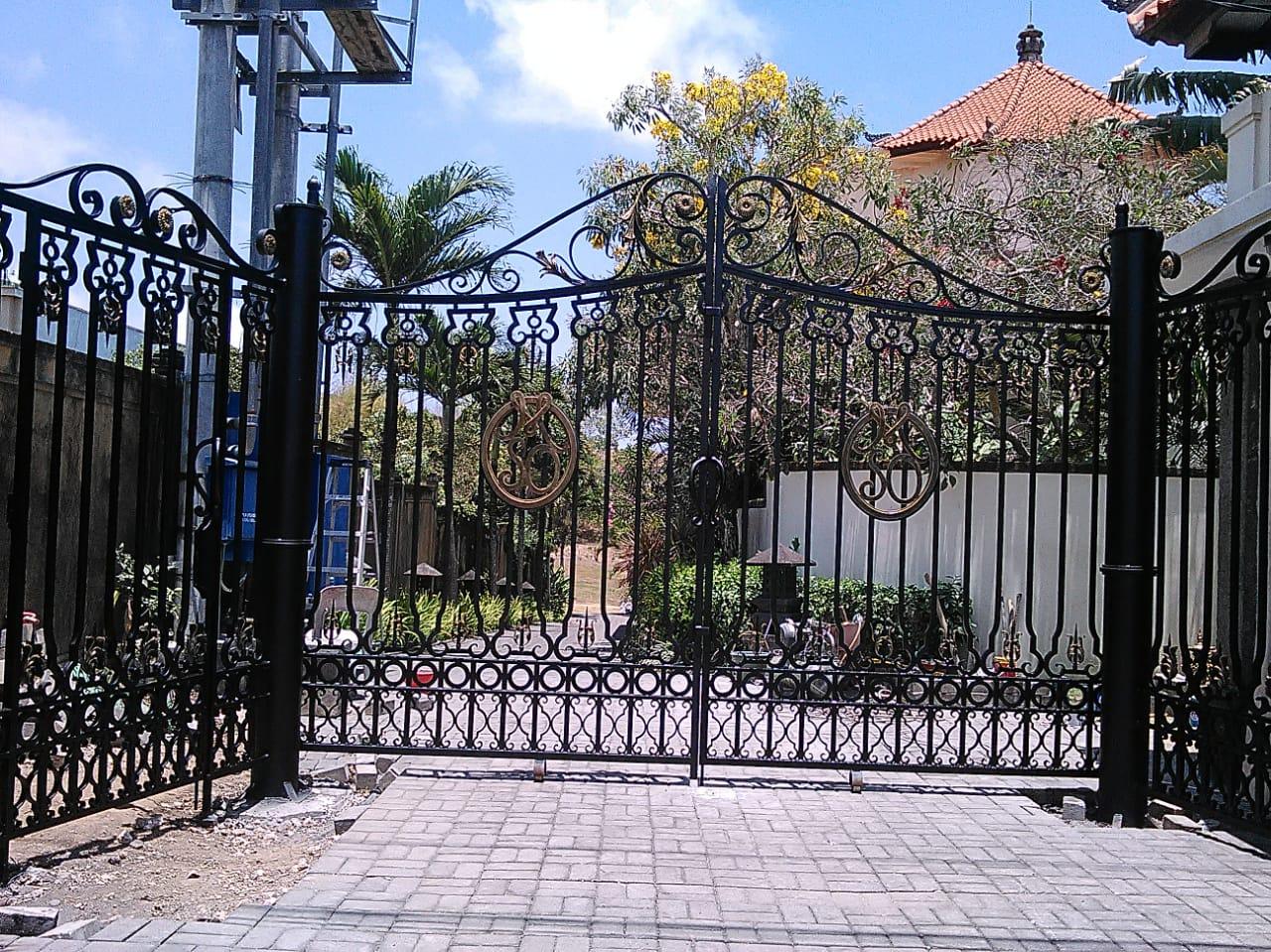 Pintu Gerbang (2)