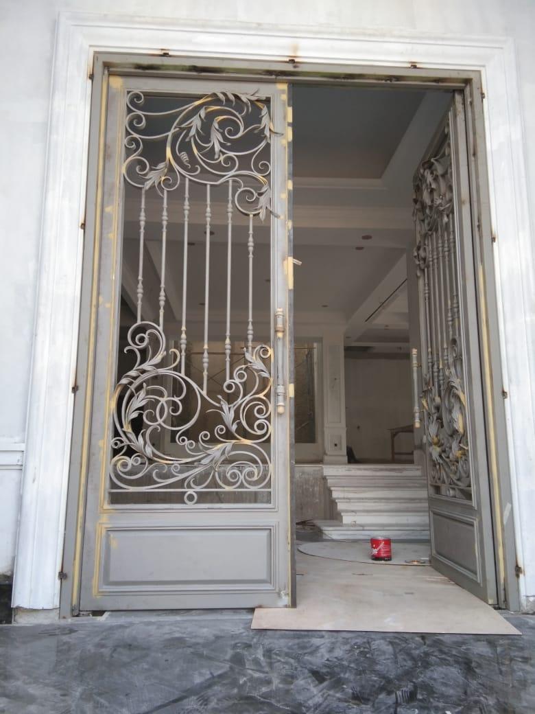 Pintu Utama (1)